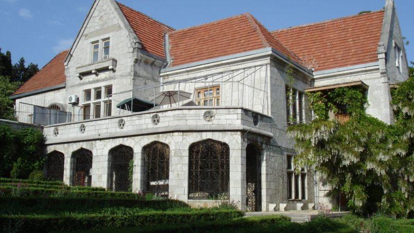 Дворец Харакс в Алупке. Крым