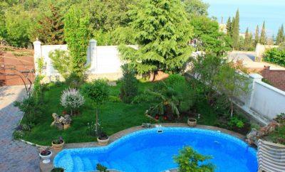 008. Дом в Ялте с бассейном