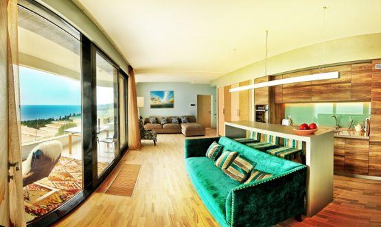 Квартиры, апартаменты в Гурзуфе +7-978-740-87-75