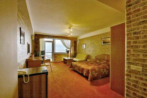 Квартира в Ялте +7-978-740-87-75