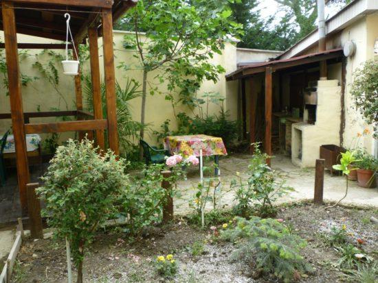 Дом в Ялте. Массандра +7-978-740-87-75