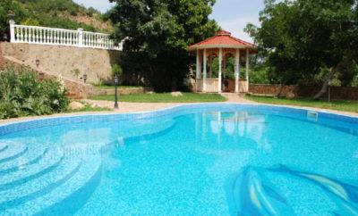 017. Дом с бассейном в Лазурном, Алушта