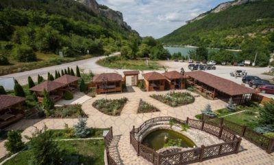 084. Снять дом в горах, лесу у озера в Бахчисарае. Крым