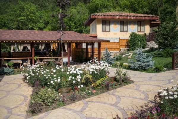 Снять дом в горах, лесу у озера в Бахчисарае. Крым