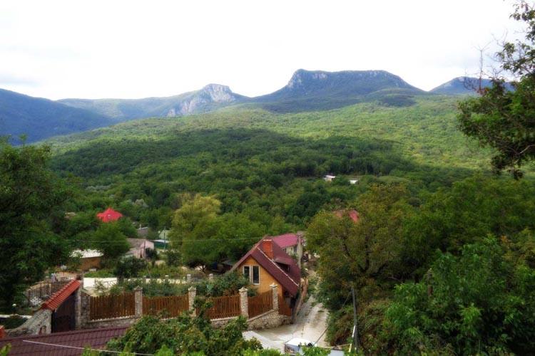 LOT — 080 Коттедж в горах, лесу Многоречье, Бахчисарай, Крым