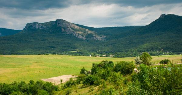 LOT — 093 Отдых в лесу, горах Крыма, Бахчисарай