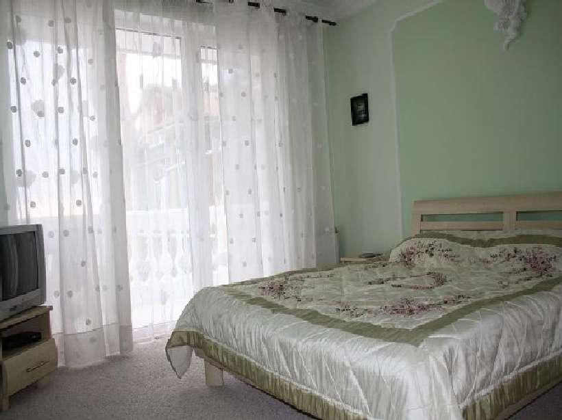 Арендовать на лето Дом в Массандре, Ялта ID- 002 / +8-978-740-87-75