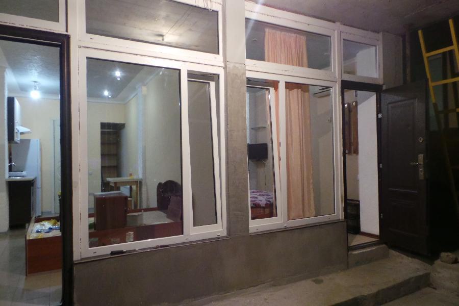 0121 комнатная квартира в Ялте